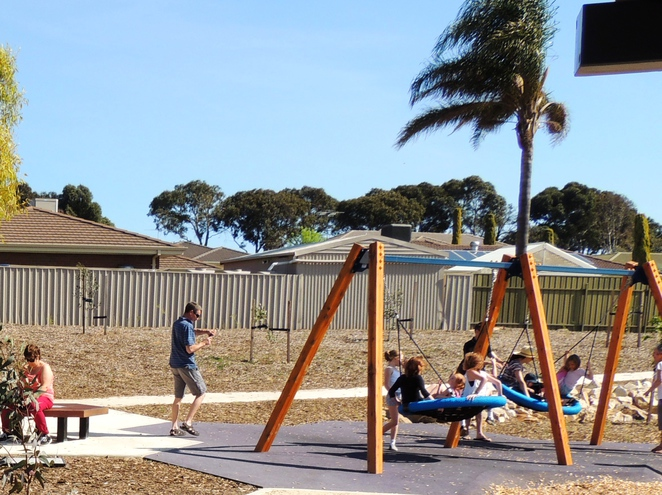 playground, play areas, dog friendly, children, trees, shelters, reserve, wetlands, trails, birds nest