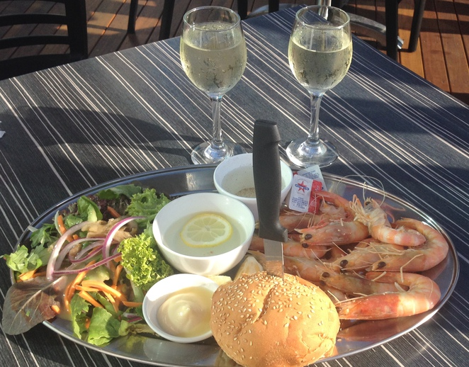 Best place for breakfast Adelaide. Prawn platter Henley Surf Life Saving Club