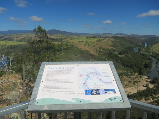shepherds lookout, lookout, canberra, walk, dog friendly, hike, act nsw border, river, Woodstock Nature Reserve, Murrumbidgee, free, exercise