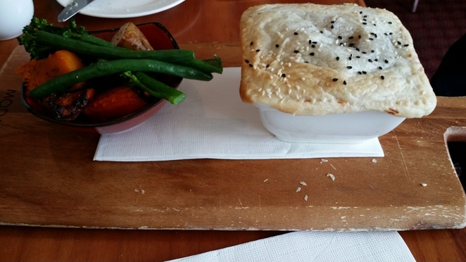 Wallis Tavern, Cheeky Beef Pie, Adelaide