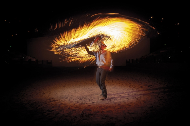 australian outback spectacular fire whip