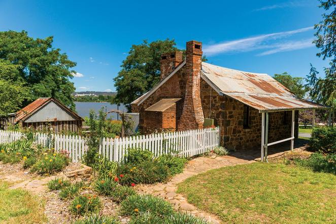 blundells cottage, canberra, national capital authority, lake burley griffin, historical buildings, in canberra,