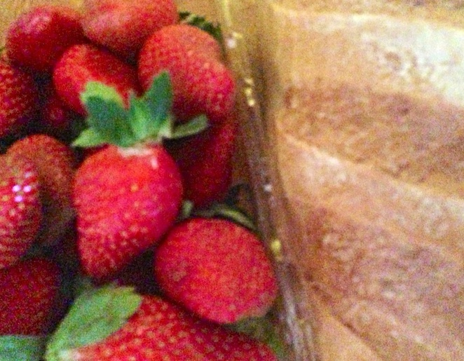 Bread-strawberries