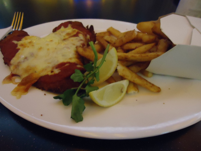 chicken, parmigiana, food, delicious, yum, the star, pub food, sydney, city,
