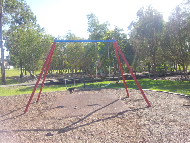 enbrook parklands,swings,bike path,brisbane parks