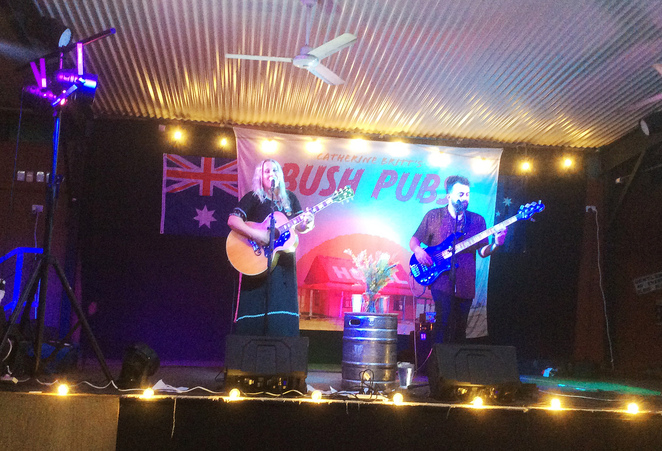 Escape the City, Hotels, Pubs, D'Aguilar, Moreton Bay, Near Brisbane, Fun Things to Do, Music, Food