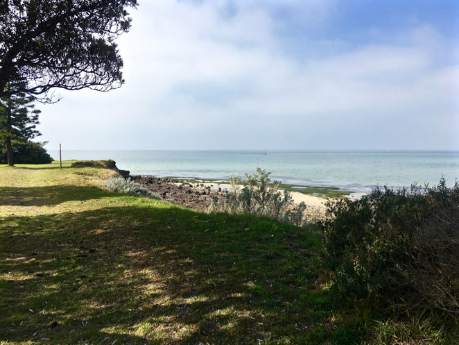 indented head, Wrathall Reserve, picnic spot, bellarine, playground, parks on the bellarine peninsula, BBQ, barbecue, public BBQ, boat ramp, jetty, tennis court, memorial, places to visit in indented head, trees,