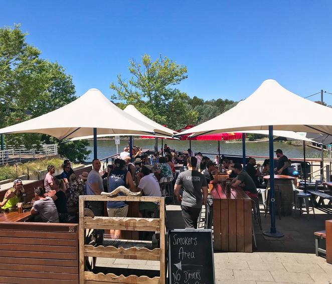lighthouse pub, canberra, ACT, beer gardens, best beer gardens, ACT, live music, pubs in canberra, lake ginninderra, belconnen,