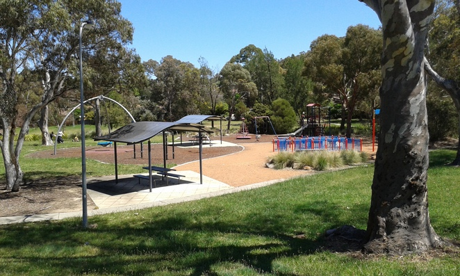 Macarthur Pplaygorund, Macarthur park, parks in canberra, parks in tuggeranong, parks in ACT, playgrounds in ACT,
