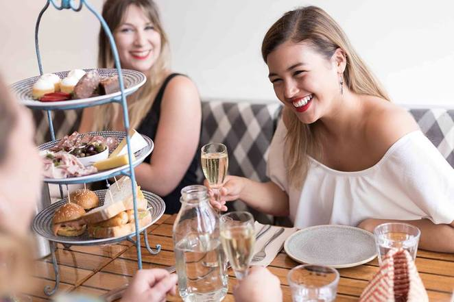 manly wine, where to eat in manly, bottomless bellinis, 3 course set menus, girls day out