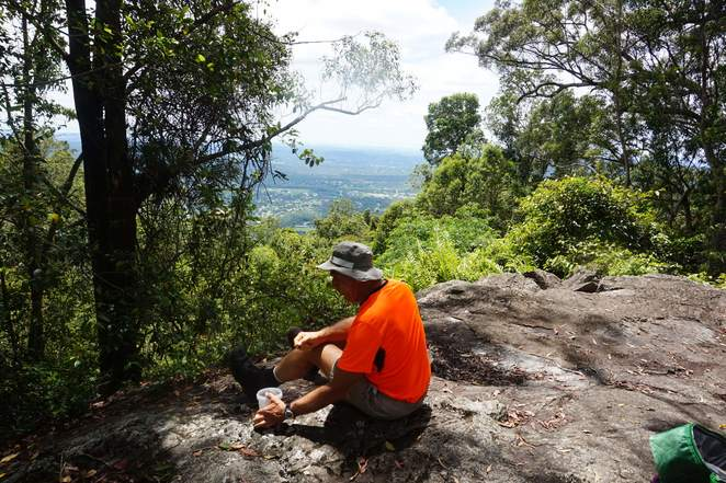 Morning tea at Mt Nebo lookout