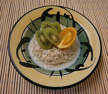 Oats with Kiwi Fruit & Tamarillo