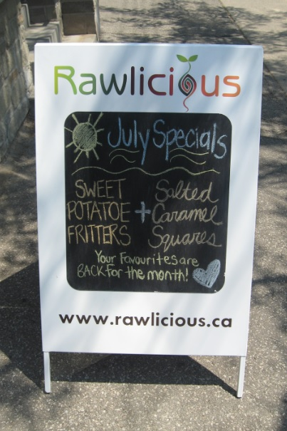 Rawlicious, Raw food, raw fast food, raw vegan food, raw desserts, raw smoothies, vegan smoothies, healthy fast food,