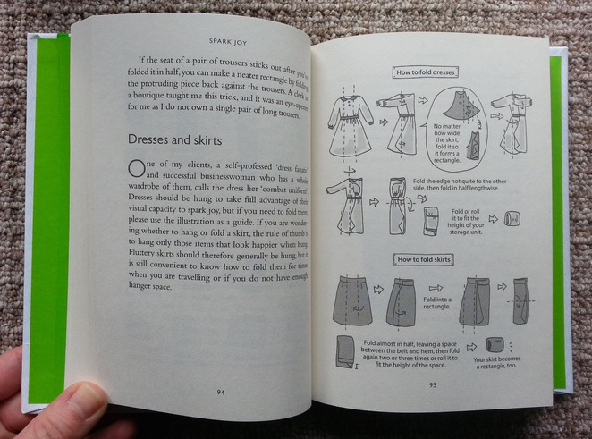 Spark Joy, Marie Kondo, An Illustrated guide to the Japanese Art of Tidying, How to fold dresses
