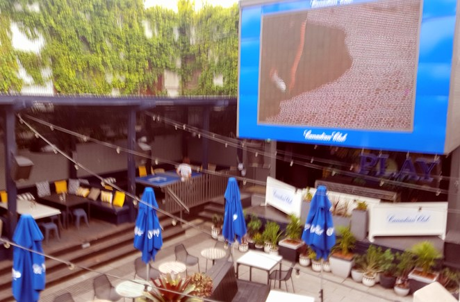 Alfresco, entertainment, big screen, hotel, lunch, casual