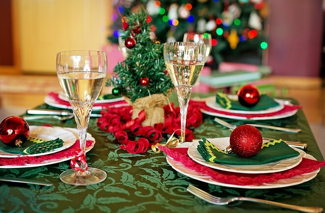 christmas recipes food roast seafood table cracker bonbon