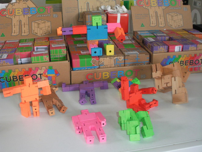 cube,bot,bots,red,yellow,green
