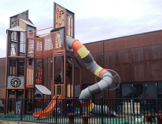 Fashion Spree Factory Outlet Liverpool playground