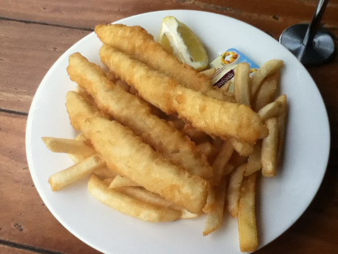 fish and chips, canungra, Outpost cafe