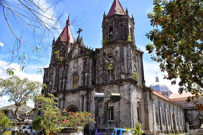 Things to do in Iloilo, Iloilo City, Island Hopping, Guimaras Island, Calle Real, Jaro Cathedral, St Annes Parish, Iloilo Esplanade, San Pedro Drivein, Jordan Wharf