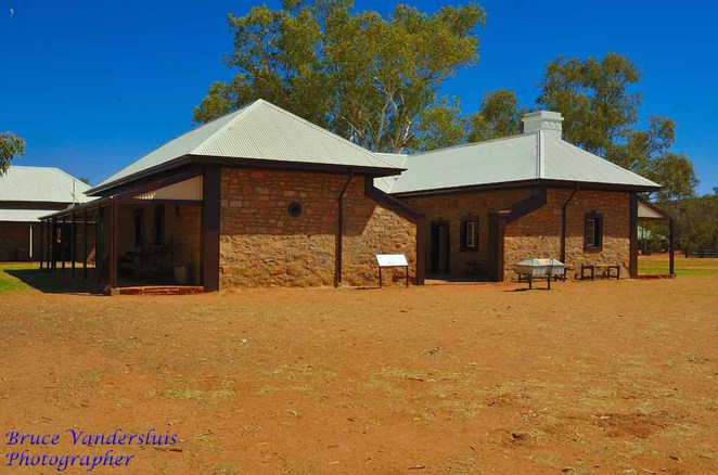 alice springs, telegraph station, overland telegraph line, northern territory, the barracks