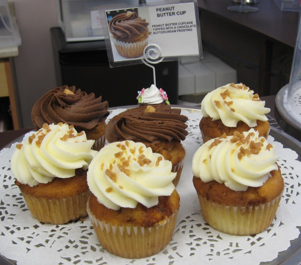 Cupcakes, Cupcakes of Westdale, sweet treats, cupcake desserts, cupcake flavours, buttercream, peanut butter cupcakes,