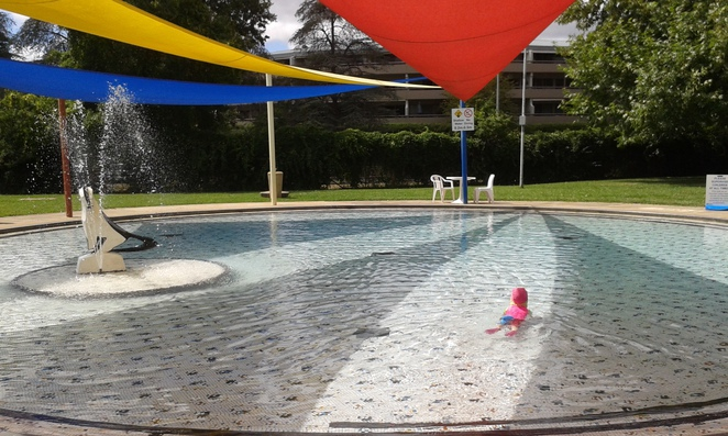 manuka pool. griffith, canberra, ACT, swimming pools, lap pools, playground, toddler pools,