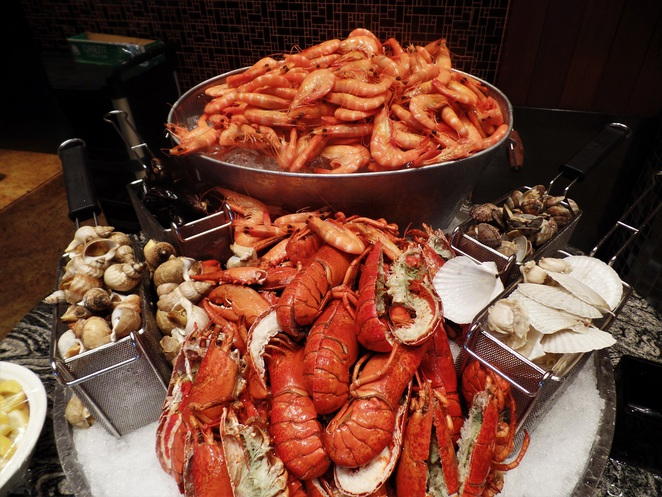 Seafood on ice in Kwee Zeen Magnifique Sunday Champagne Brunch at Sofitel Singapore Sentosa Resort & Spa