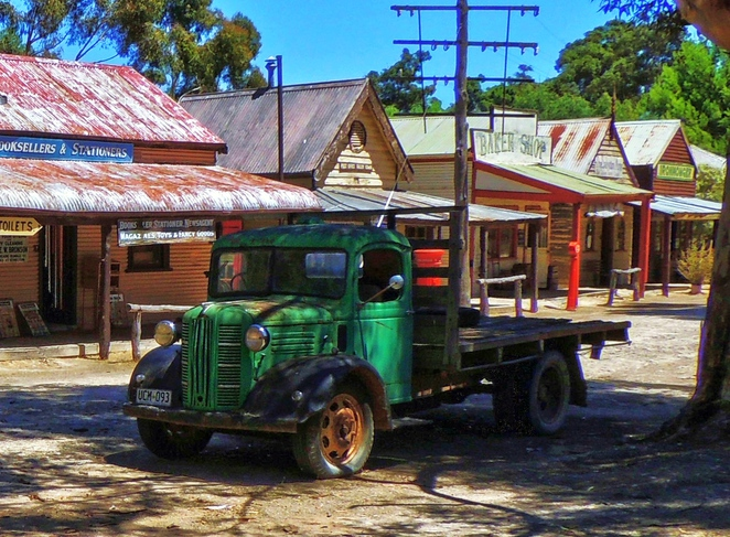 tailem town, ghost attractions, history of south australia, ghost tours, old tailem town, holiday in sa, about south australia, tourism, tailem bend