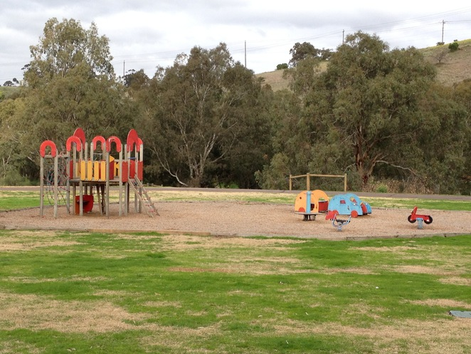 Brimbank Park, Brimbank Park Nature Trail, The Heart Foundation, Green Walks, Victoria Walks, Parks Victoria, Great Places to Walk, Michellina van Loder, Frogs, Leaping Lizard Cafe, Urban Wildlife