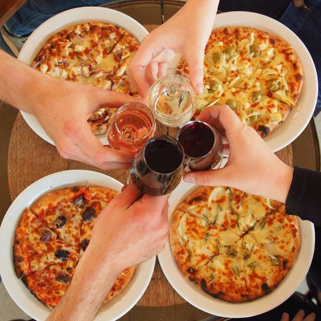 four winds vineyard, four winds, four winds winery, lunch, wood fired pizza, canberra wine district, murrumbataman,