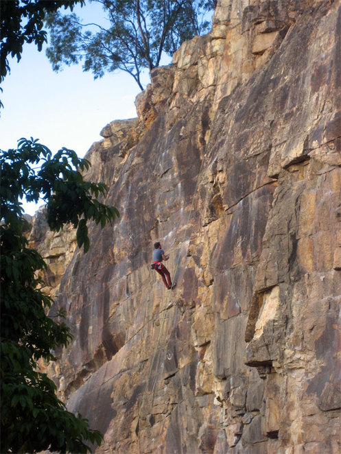 Climber tackling the Kangaroo Point Cliffs
