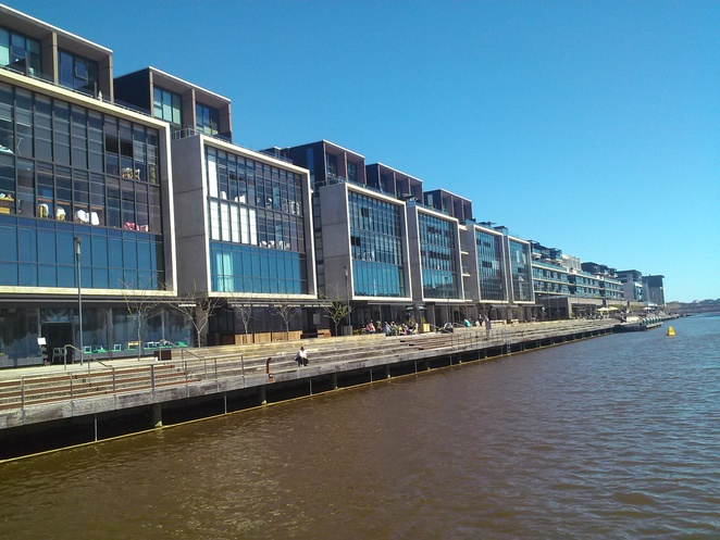 kingston foreshore, staycation, canberra, ACT, breakfast, cafes, restauarants, cafes with views,