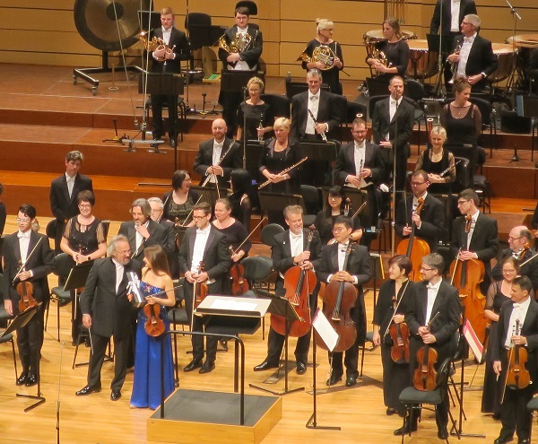 qso, Queensland symphony orchestra, symphony, orchestra, classical music, concert, Qpac, conductor, bow