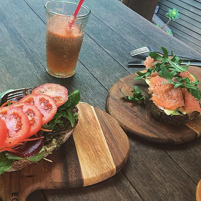 spoonful, cafe, living, neutral bay, bamboo, vegan, vegetarian, healthy, food, breakfast, brunch, lunch, clean eating, salmon, sourdough, beetroot, pesto, tomato