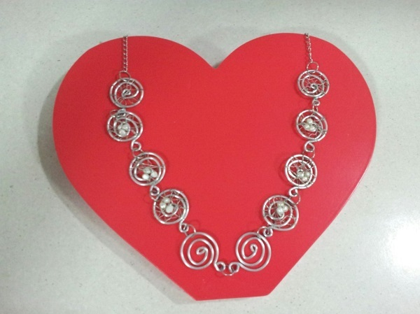 valentines-day-jewellery-wirework-reverse-garbage, May Cross