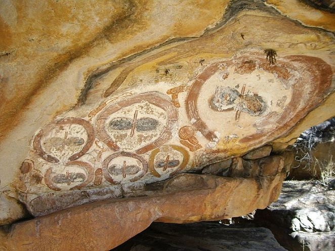 Kimberley rock art. This image is from Wikipedia Commons (by Whinging Pom).