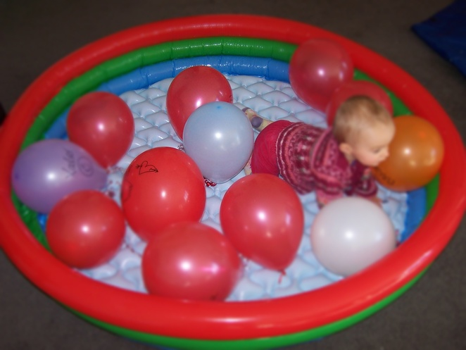balloons, pools, inflatale pool, ideas for toddlers, bored, kids, children, free, budget, affordable, ideas, bored, australia, coronavirus,