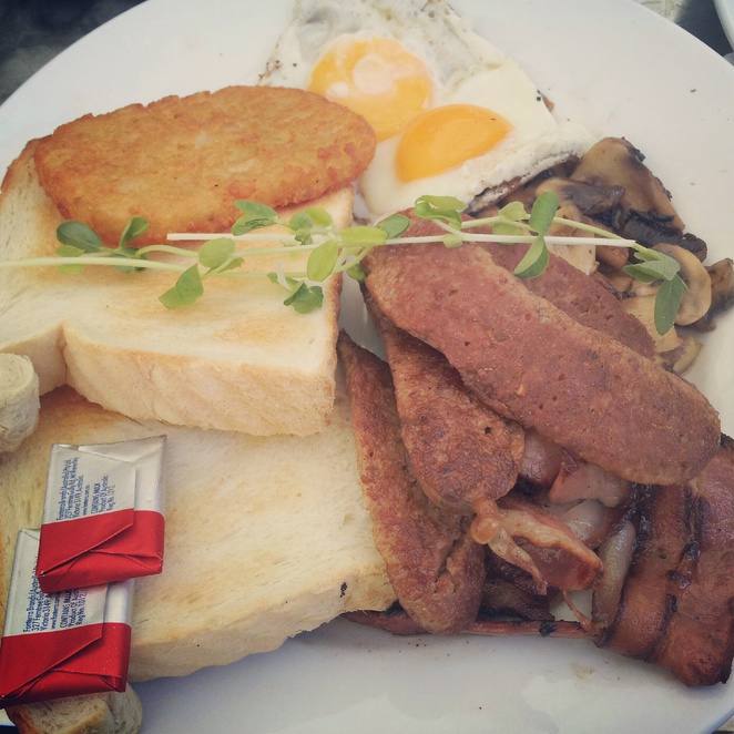 breakfast, hash brown, sausages, mushrooms, delicious, food, entrance