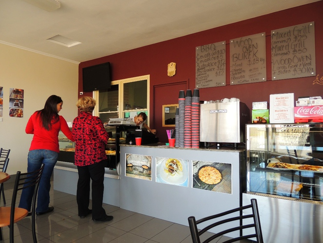 cafe, restaurant, adelaide, cheap eats, curry, asian food, chinatown, pubs, lunch specials, burek lounge