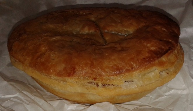 crust, fyswick fresh food markets, canberra, pies, sausage rolls, best bakeries in canberra, bread,