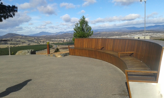 Dairy Farmers Hill, National Arboretum, Canberra, Lookouts
