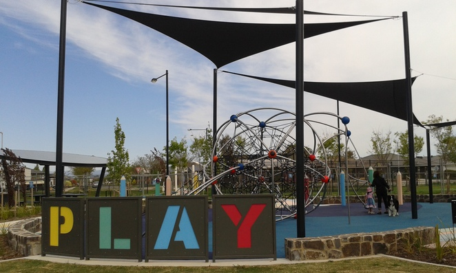 Franklin Neighbourhood Park, Canberra, Franklin, Best Parks in Canberra, ACT parks, playgrounds, table tennis, basketball, soccer, BBQ's, skate bowls