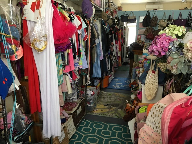 moorooka vintage retro op shop secondhand charity collectables thrift store brisbane tinamaleela