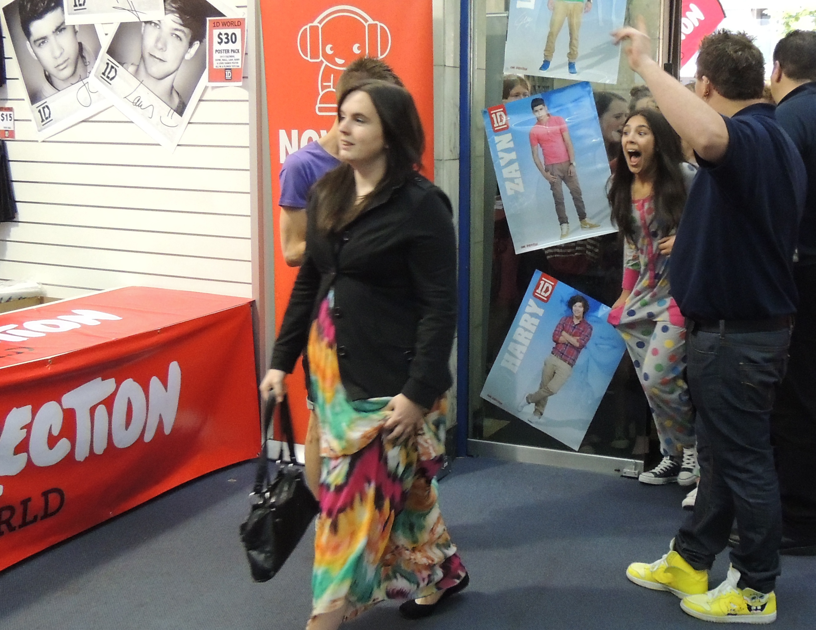 1d world one direction store adelaide adelaide. Black Bedroom Furniture Sets. Home Design Ideas