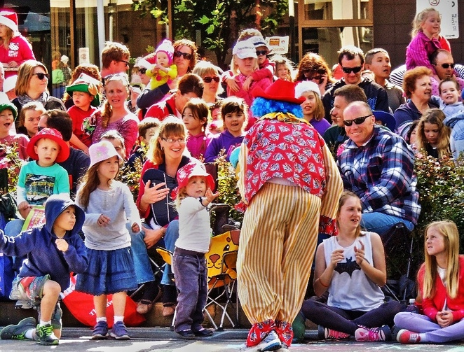 things to do, adelaide, free, festival, park, christmas, market, food, kids, clown
