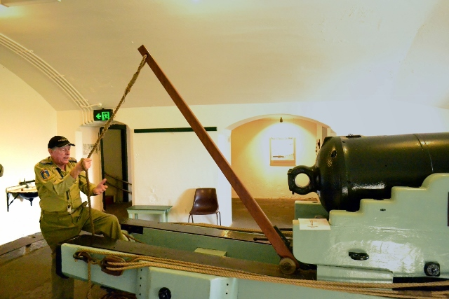 WWII, history, gun, museum, cannon
