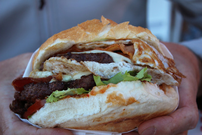 burgers, brodburger, best burgers in canberra, grill'd, smoque