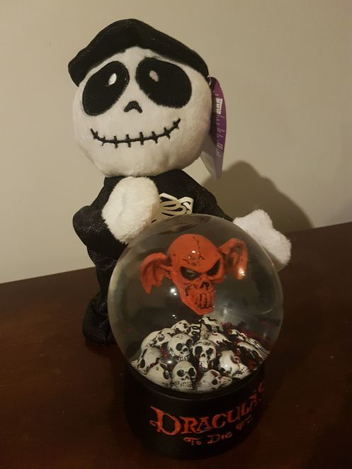 Friday The 13th, skeleton, skull, Dracula's, Dracula, snow globe, Party, Movie, Movie Party, Movie Watching Party, Friday the 13th Party, 13, Scary, Spooky, Comedy, Funny, Costume, Cosplay, Costume Party, DIY, Halloween, Holiday
