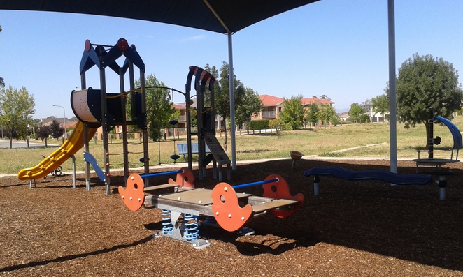 Glow Worm Grove, Harrison, Playgrounds, Canberra, ACT, GUngahlin, parks, shaded playgrounds,